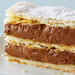 Торт Наполеон с шоколадным кремом Патисьер и орехами фундук