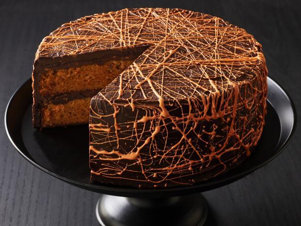 Фото Морковный торт с шоколадным кремом