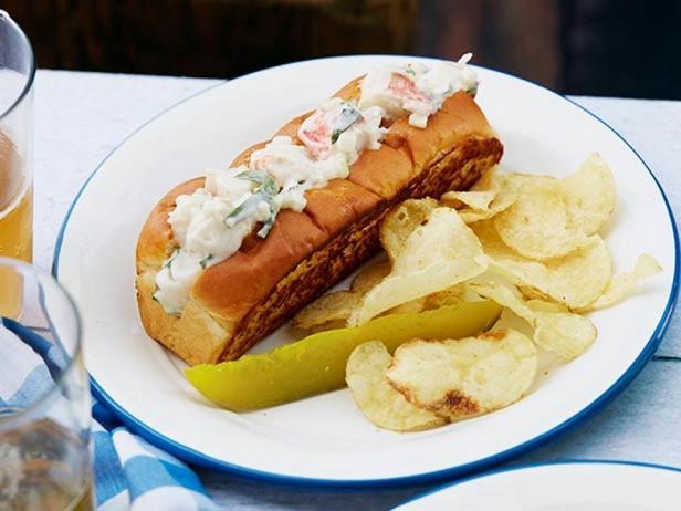 Фото - Сэндвичи с мясом омара в стиле штата Мэн