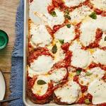 Баклажаны в панировке, запеченные в томатном соусе