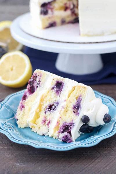 Фото Черничный торт с кремом из лимонного курда