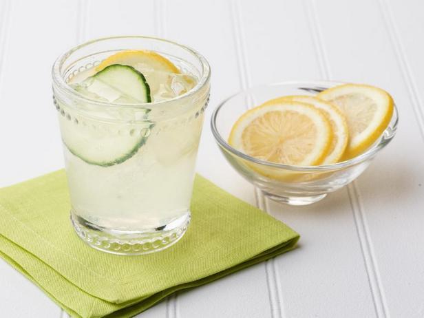 Фото - Коктейль «Джин с огурцом и лимоном»