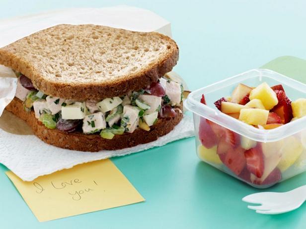 Фото - Хрустящие сэндвичи с салатом из индейки