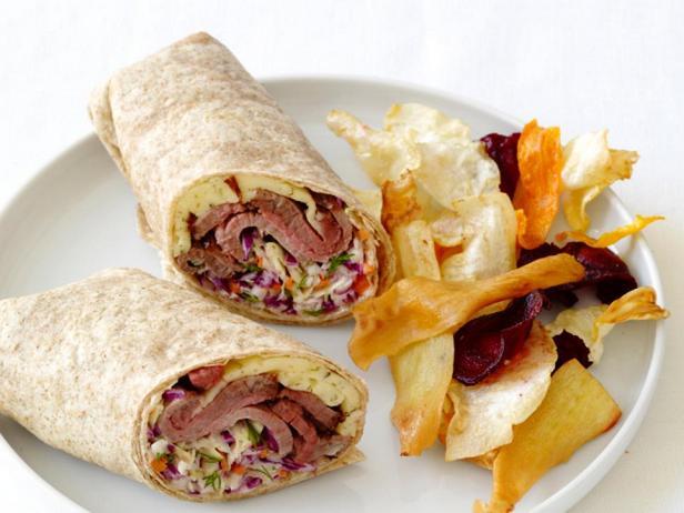 Фото - Ролл с говядиной и капустным салатом с укропом