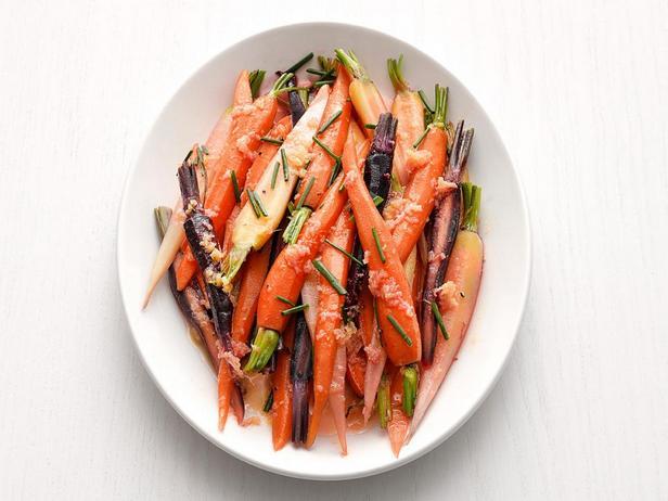 Фото - Отварная морковь в имбирно-соевой глазури