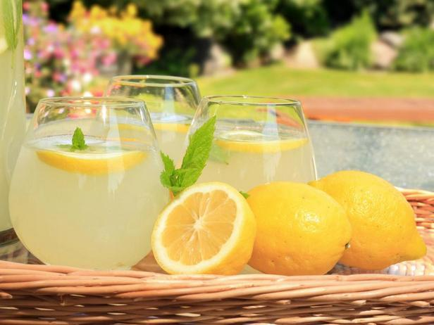 Лимонад — кисло-сладкий родственник холодного чая