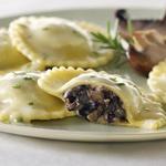 Равиоли с грибами, баклажанами и козьим сыром
