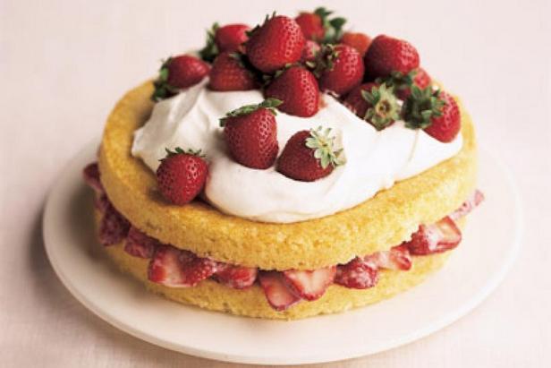 Фото Простой клубничный торт