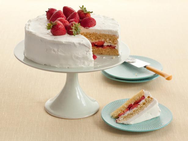 Фото Клубничный торт в стиле американского придорожного кафе