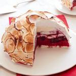 Торт «Запечённая Аляска» с летними ягодами