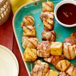 Шашлык из куриных бедрышек с ананасами
