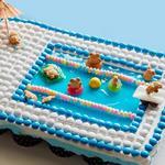 Отрывной торт из кексов «Мишки у бассейна»