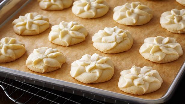 Фото Ванильное песочное печенье из пресс-шприца
