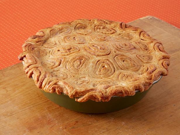 Фото Яблочный пирог с изюмом и корицей