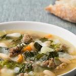 Фасолевый суп с фаршем и рапини