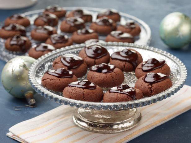 Фото Миндальное печенье «Пьяная вишня в шоколаде»