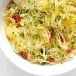 Тыква Спагетти с чесноком, острым перцем и зеленью