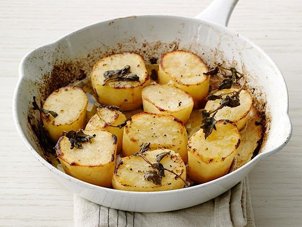 Фото Запечённый картофель дольками с орегано