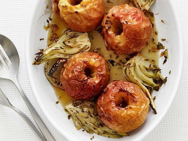 Печёные яблоки с фенхелем