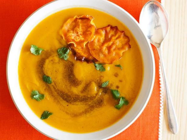 Десертный суп-пюре из батата и яблок с карри