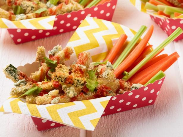 Фотография блюда - Хрустящие кабачки Баффало в духовке