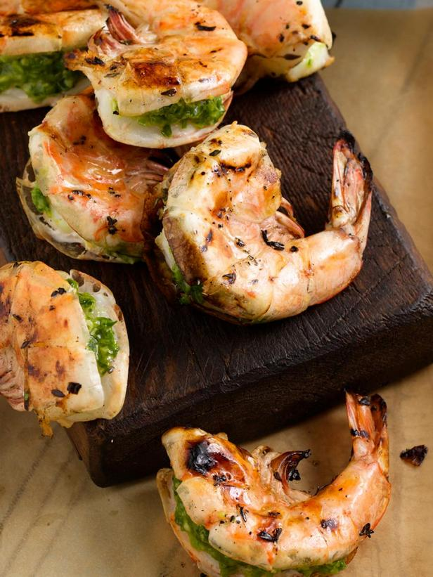 Фотография блюда - Гигантские креветки, фаршированные кинзой и перцем чили