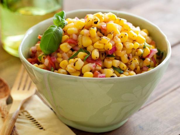 Фотография блюда - Соус сальса с запеченной на гриле кукурузой