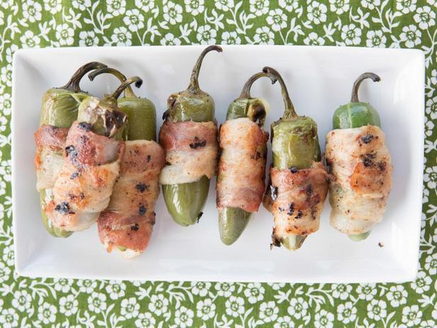 Фотография блюда - Фаршированные перцы халапеньо на гриле