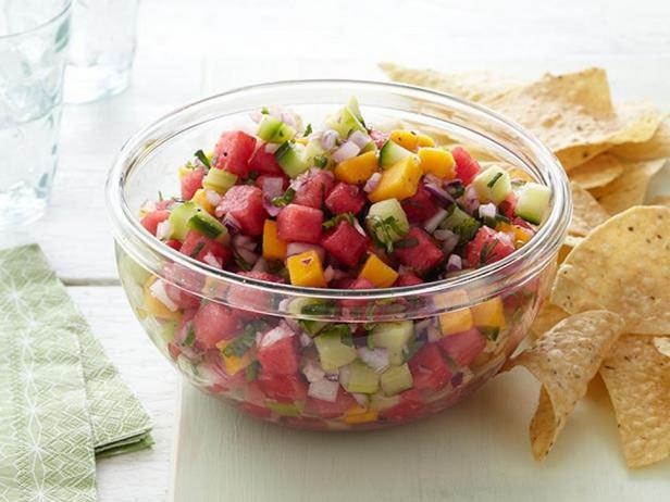 Фотография блюда - Соус сальса с арбузом