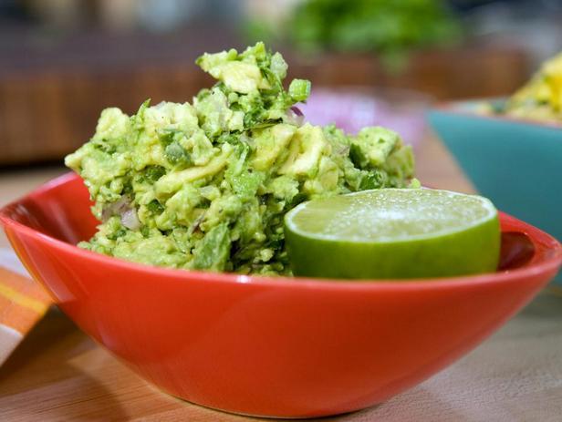 Фотография блюда - Соус из авокадо «Гуакамоле»