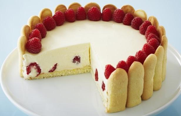 Фото Торт «Савоярди» с лимонным муссом и ягодами малины