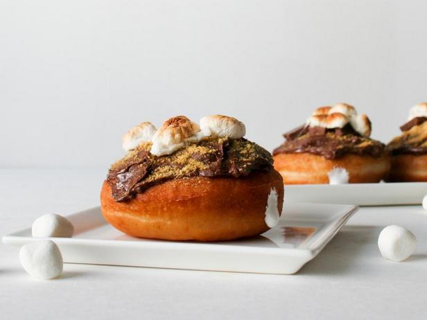 Фото блюда - Пончики «Смор»