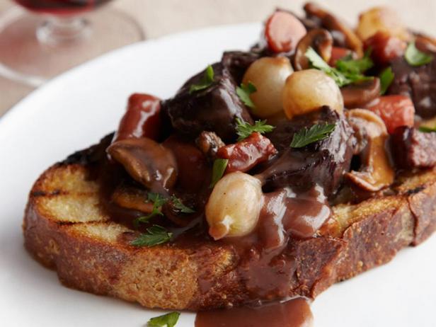 Фото блюда - Бёф бургиньон – классический рецепт