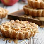 Рассыпчатые песочные пироги с орешками и апельсиновой начинкой