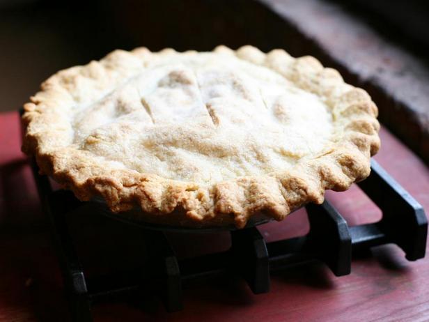 Фото блюда - Пирог с яблочным компоте на вине Сотерн