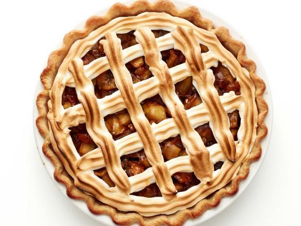 Фото блюда - Миндально-яблочный пирог с меренгой