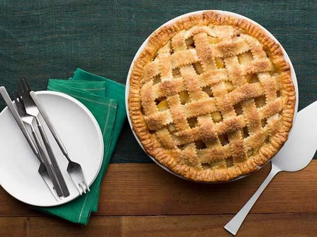 Фото блюда - Яблочный пай – пирог из песочного теста с решёткой
