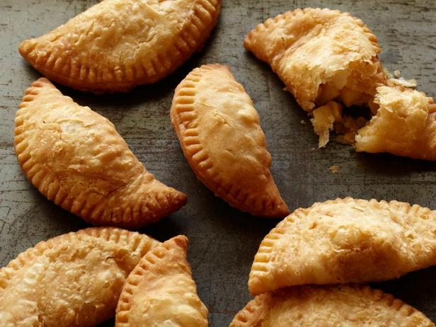 Фото блюда - Пирожки с яблоками