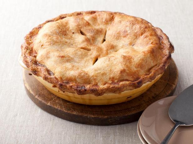 Фотография блюда - Высокий яблочный пирог