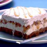 Слоёный торт-мороженое с фундуком и карамелью