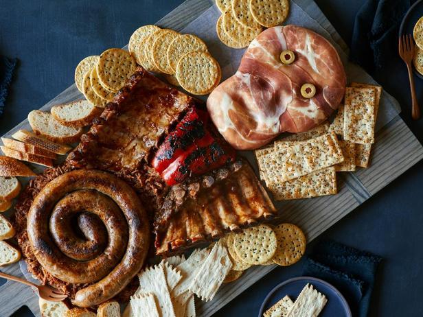 Фотография блюда - Мясная тарелка «Скелет»