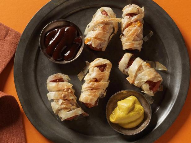 Фотография блюда - Сосиски – мумии в тесте фило