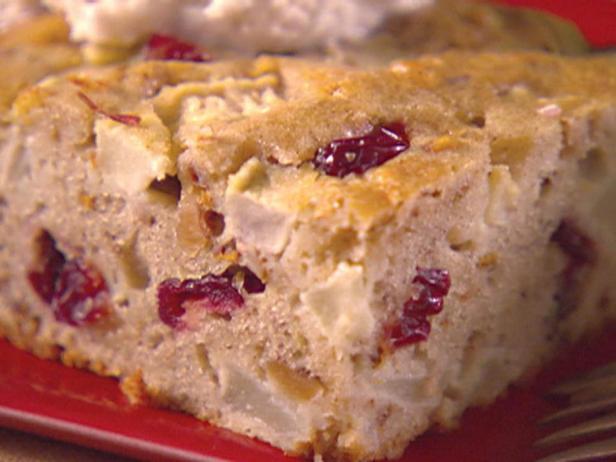 Фотография блюда - Пирог с яблоками и грецкими орехами