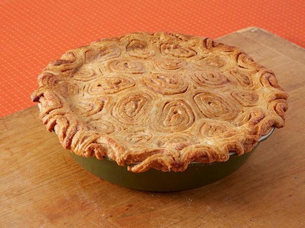 Фотография блюда - Яблочный пирог с изюмом и корицей