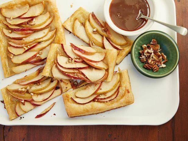 Фотография блюда - Яблочный тарт на скорую руку