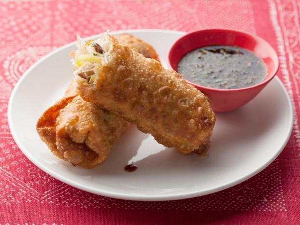 Фото блюда - Спринг-роллы с азиатской лапшой и мятным дипом
