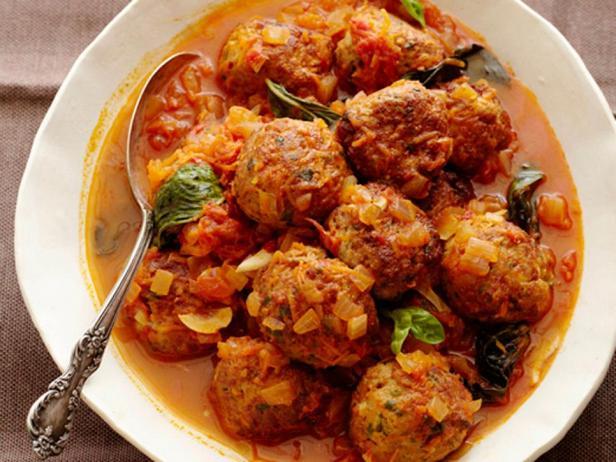Фото блюда - Фрикадельки, тушёные в соусе маринара