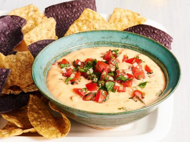 Фото блюда - Чили кон кесо – мексиканский сырный соус