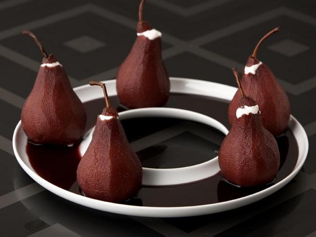 Фотография блюда - Груши томлёные в вине с начинкой из маскарпоне