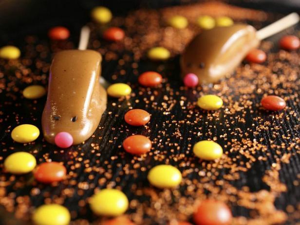 Фотография блюда - Груши в карамели «Мышки»